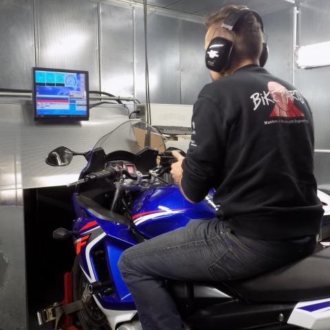 Tuning van motorfietsen op de nieuwste dynojet testbank