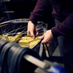 Manueel assembleren van Achielle fietsen naar wens.